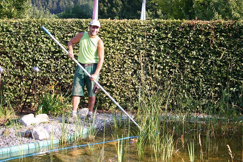 Gartenpflege vom Teich