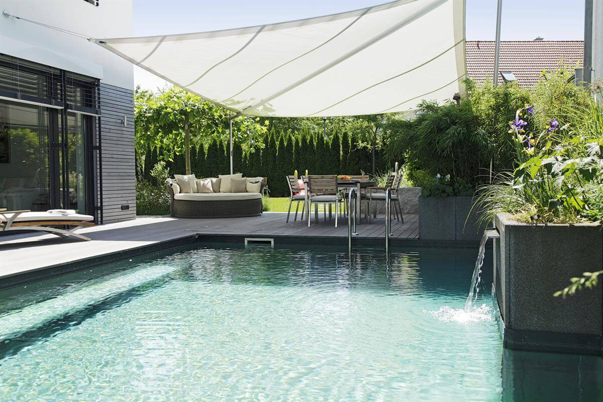 Living-Pool elegegantes Design