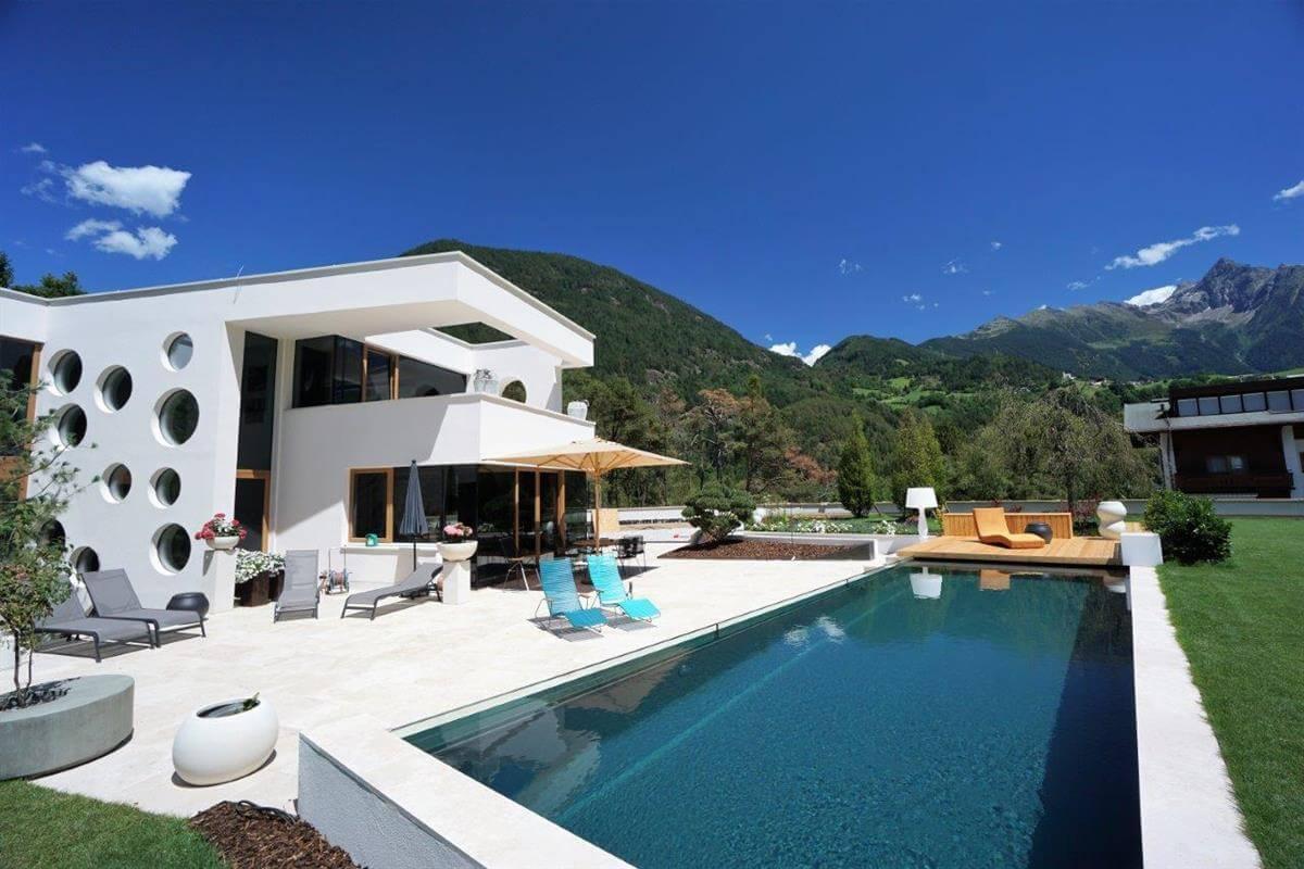 Moderner Living-Pool