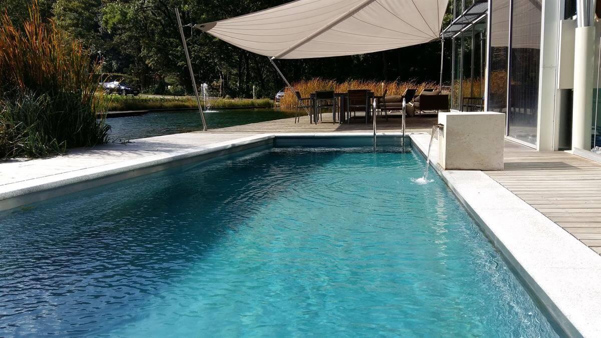 Living-Pool in der Natur